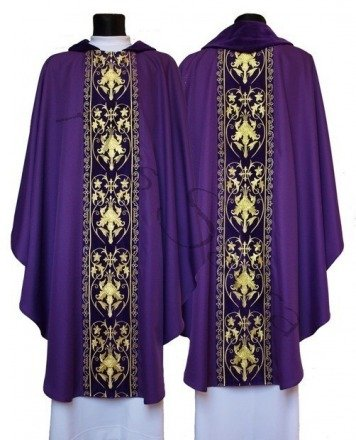 Gothic Chasuble 557-AF